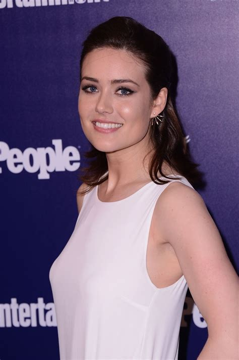 Pictures of Megan Boone - Pictures Of Celebrities