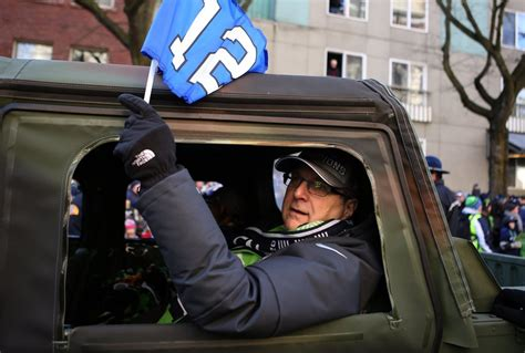 Paul Allen, Microsoft co-founder and Seahawks owner, dies