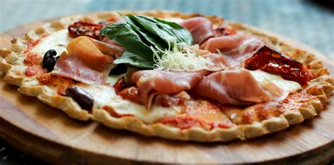 Pizzarazzi – a Pizza Photography Contest at Tuscana on