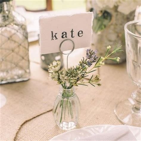 40 Wedding Place Cards You Won't Want to Put Down | Place