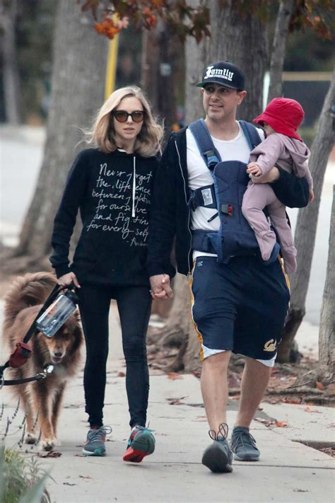 amanda seyfried out for a walk with her husband and