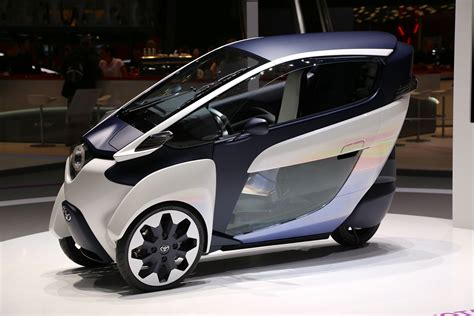Self-Leaning Toyota i-Road Concept Debuts In Geneva: Video