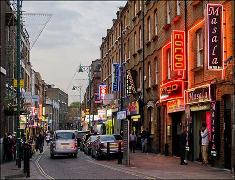 Curbing The Curry Touts Of Brick Lane | Londonist